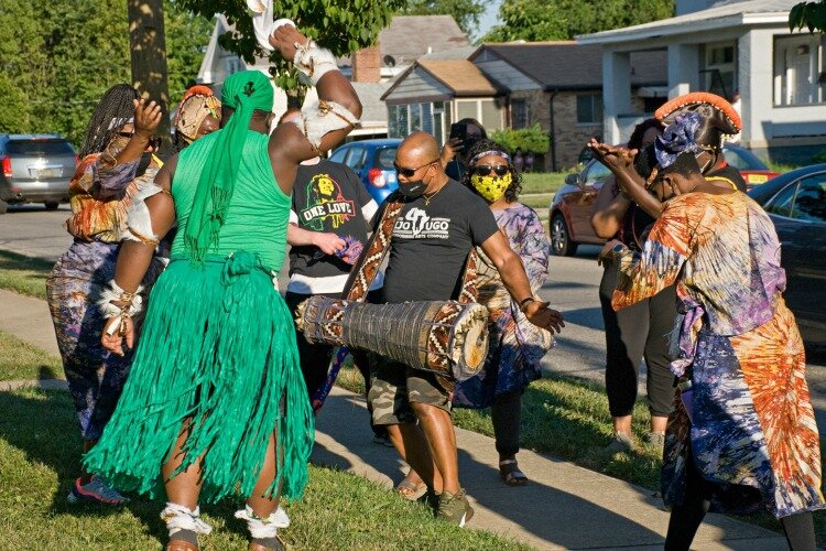 The Afrakan Artist Alliance consists of Nigerian-based drummers, dancers, and costumed stilt walkers.