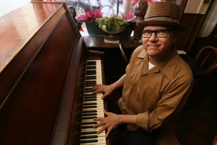 New Orleans-style pianist Ricky Nye often performs with Davidson.