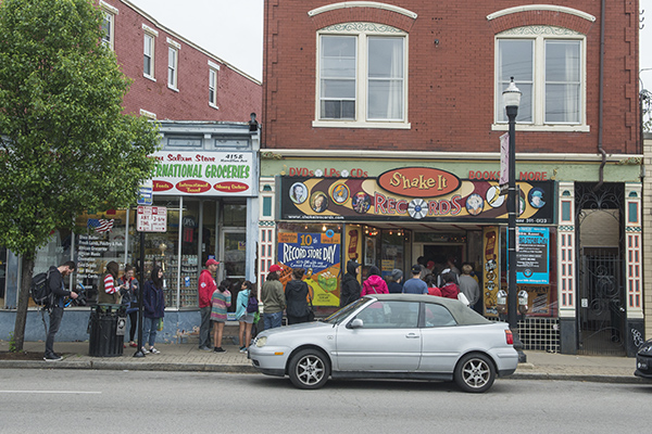 Shake-It Records in Northside