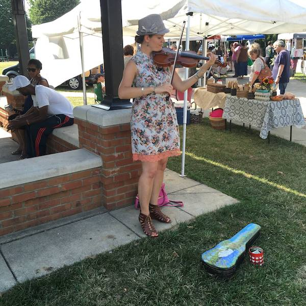 Live music at one of last year's Northside Farmers Markets.
