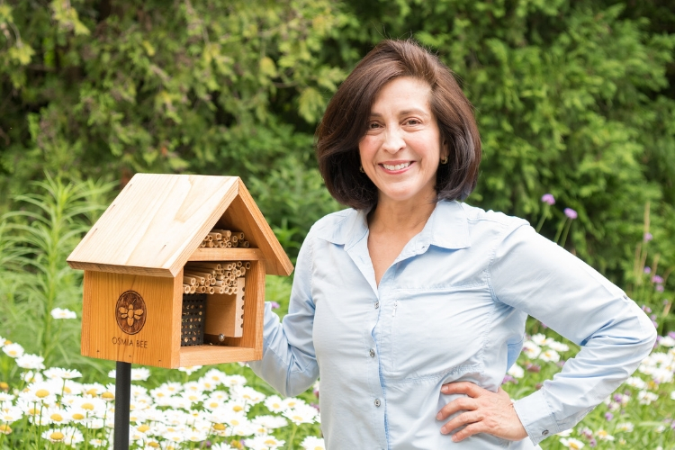 Justina Block's Osmia Bee Company puts the health of bees at the forefront of every decision. Their aim is to increase solitary bee populations by showing you how easy they are to raise and how effectively they pollinate your gardens.