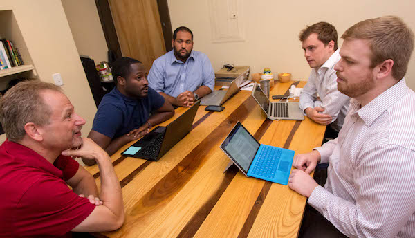 UC law students advise small business owners who are part of MORTAR's entrepreneurial program.