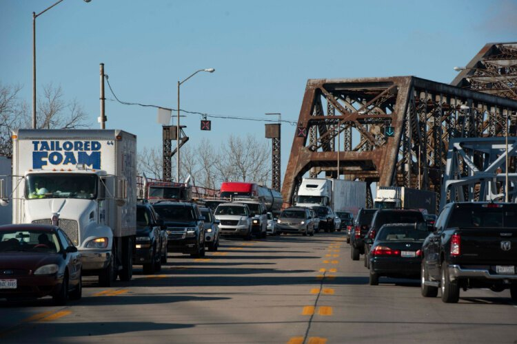 With the Brent Spence closed, traffic is backing up on the Clay Wade Bailey and other bridges.