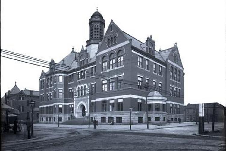 Covington's City Hall, 1902-1970